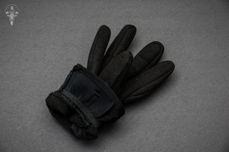 Mechanix cold weather insulated gloves showing the fleece lining